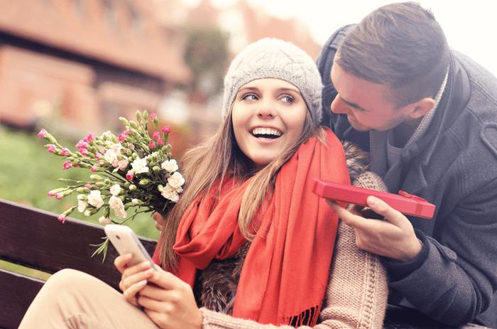 Casal reatando depois de um fim de namoro
